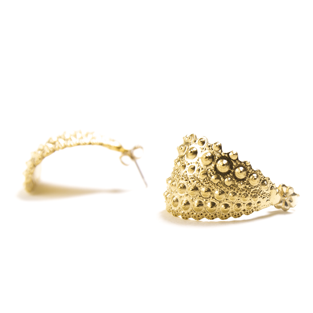 handcrafted gold jewelry: